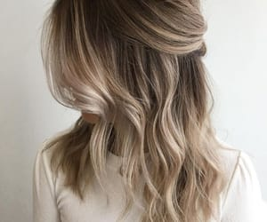 blonde, hair, and waves image