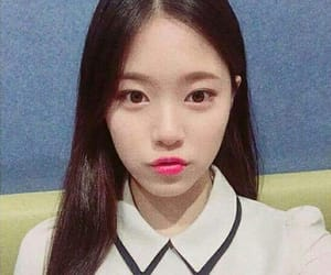 hyunjin and loona image