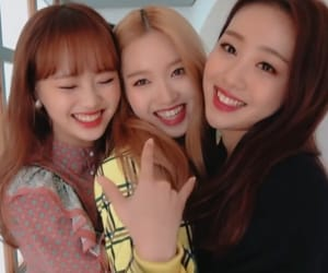 girl group, kpop, and chuu image