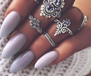 jewelry, nails, and unghie image