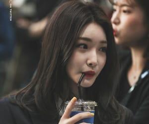 chungha, kpop, and soloist image