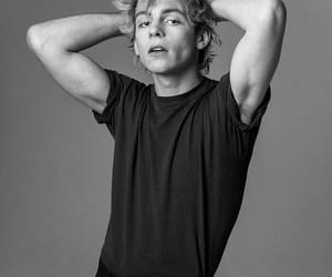 ross lynch, boy, and music image