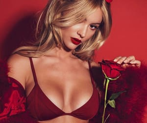 bryana holly and theme image