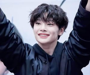 i.n, kpop, and jeongin image