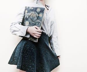 girl and shirt image