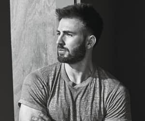 chris evans and man image