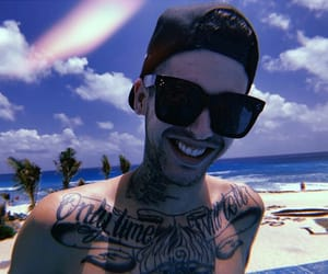 beach, cantante, and Tattoos image