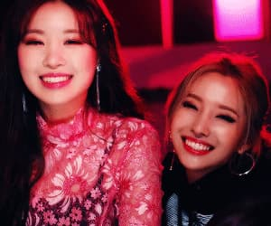 (g)i-dle, gif, and minnie image