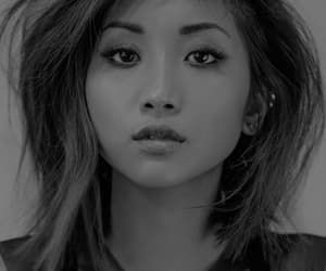 pretty and brenda song image