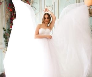 bride, wedding day, and flouers image