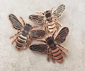 bee and pins image