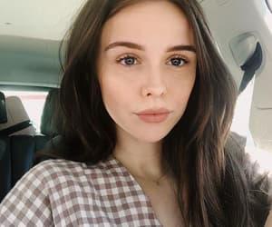 beauty, meninas, and brown hair image