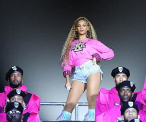 concert, fashion, and pink image