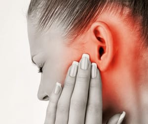ear- infections and ear-infection-symptoms image