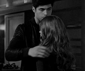 gif, clary fray, and shadowhunters image
