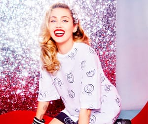 miley cyrus and converse image