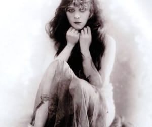 theda bara and a fool there was image