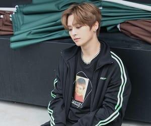 stray kids, kpop, and Minho image