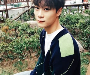 astro and moonbin image