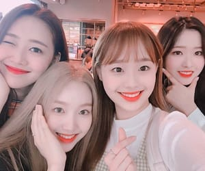 yves, loona, and gowon image