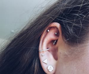 conch, conch piercing, and jewerly image