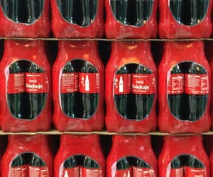coca cola, photography, and red image