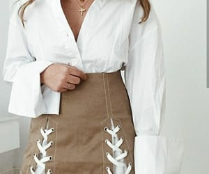 falda, youtuber, and española image