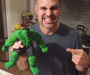 Hulk and infinity war image