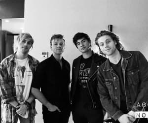 rock band, luke hemmings, and 5sos image