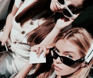 stella maxwell and model image