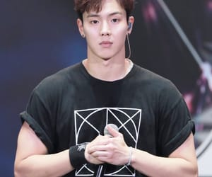 shownu, leader, and kpop image