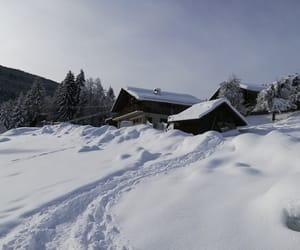 chalet, montagne, and hiver image