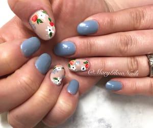 nails and summer image