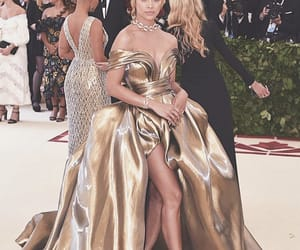 gold, style, and met gala image