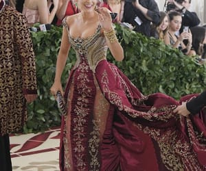 blake lively and met gala image