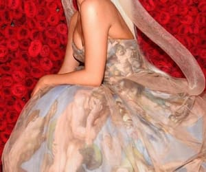 beautiful, red carpet, and Vera Wang image