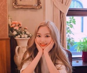 korean, kpop, and loona image