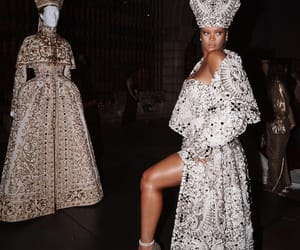 rihanna, met gala, and Queen image