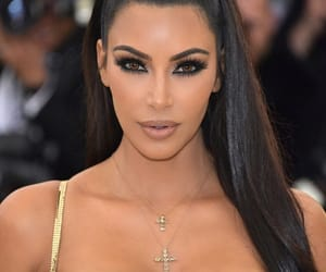 kim kardashian, fashion, and met gala image