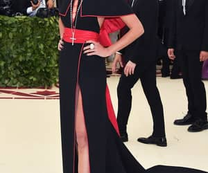 taylor hill and met gala 2018 image