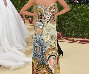 stella maxwell, met gala, and beauty image