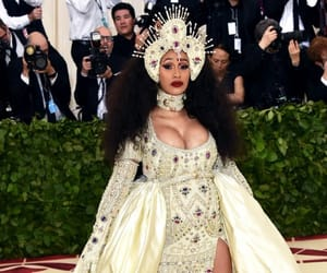 pregnant, Queen, and met gala image