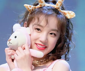 yuqi, (g)i-dle, and kpop image