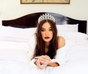 hailee steinfeld and beauty image