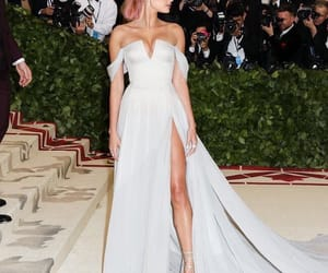 met gala and hailey baldwin image