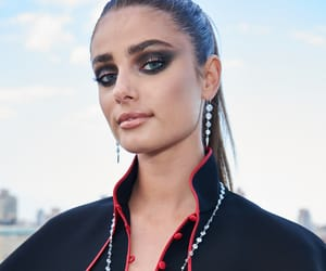 model, taylor marie hill, and Victoria's Secret image