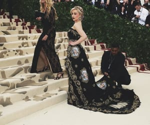 game of thrones, mother of dragons, and emilia clarke image