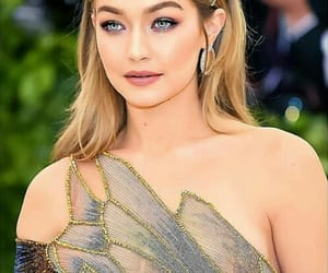 gigi hadid, met gala, and fashion image