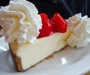 cheesecake, food, and strawberry image