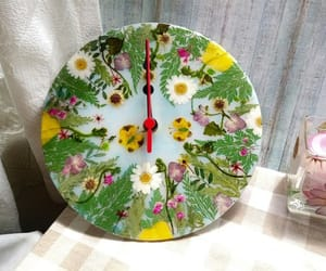handmade, pressed flower, and wall clock image